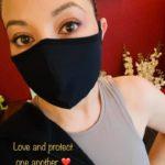 Selina shares her Myositis Mask Meme